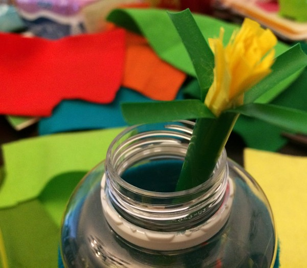 How-To-Make-Pretty-Felt-Flowers-1